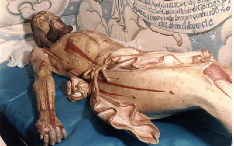 cristo-morto-capelasaosebastiao.jpg